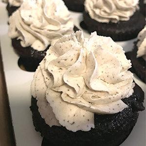 sugarbeet_bakes_cookies_and_cream